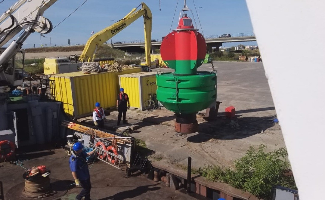 'Port of Lelystad' is een boeienlegger. En dat kwam goed uit zaterdag…